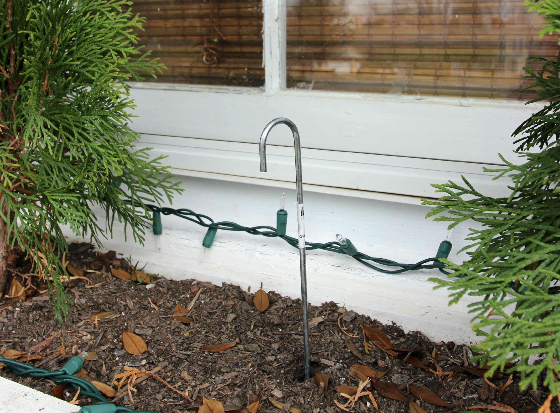 Easiest Christmas Window Box Idea Ever! from Jennifer Decorates.com