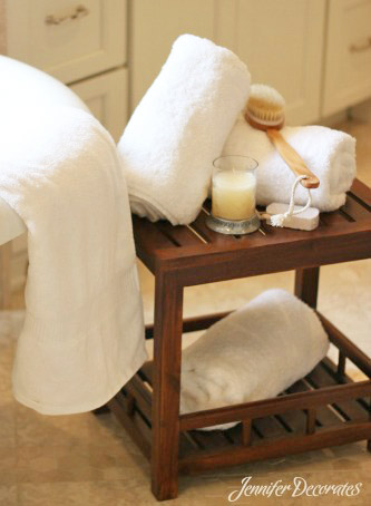 Accessorizing Your Bathroom - Jenniferdecorates.com