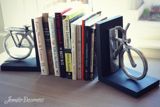 Accessorizing a bookshelf - 6 EASY steps