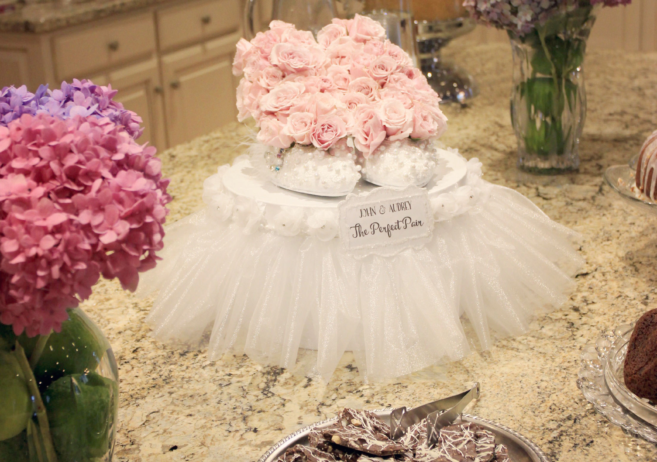 Bridal shower centerpiece ideas from Jenniferdecorates.com