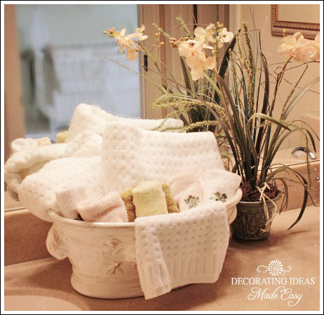 What A Lovely Way To Display Towels In A Guest Bathroom Simply Purchase An Ornate Ceramic Floral Container And Fill It With Lush Towels