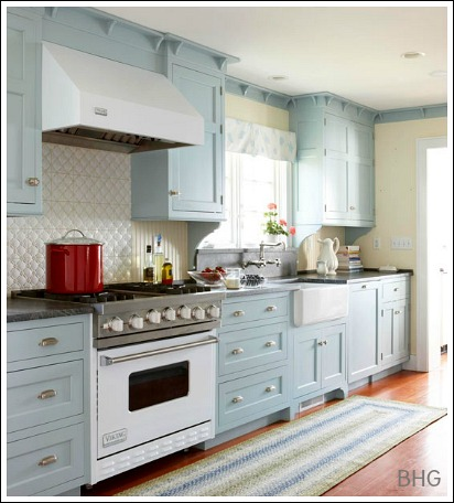 Cottage style kitchens how to create a cottage kitchen for Cottage style kitchen units