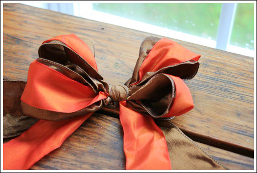 How to create a beautiful bow from Jenniferdecorates.com