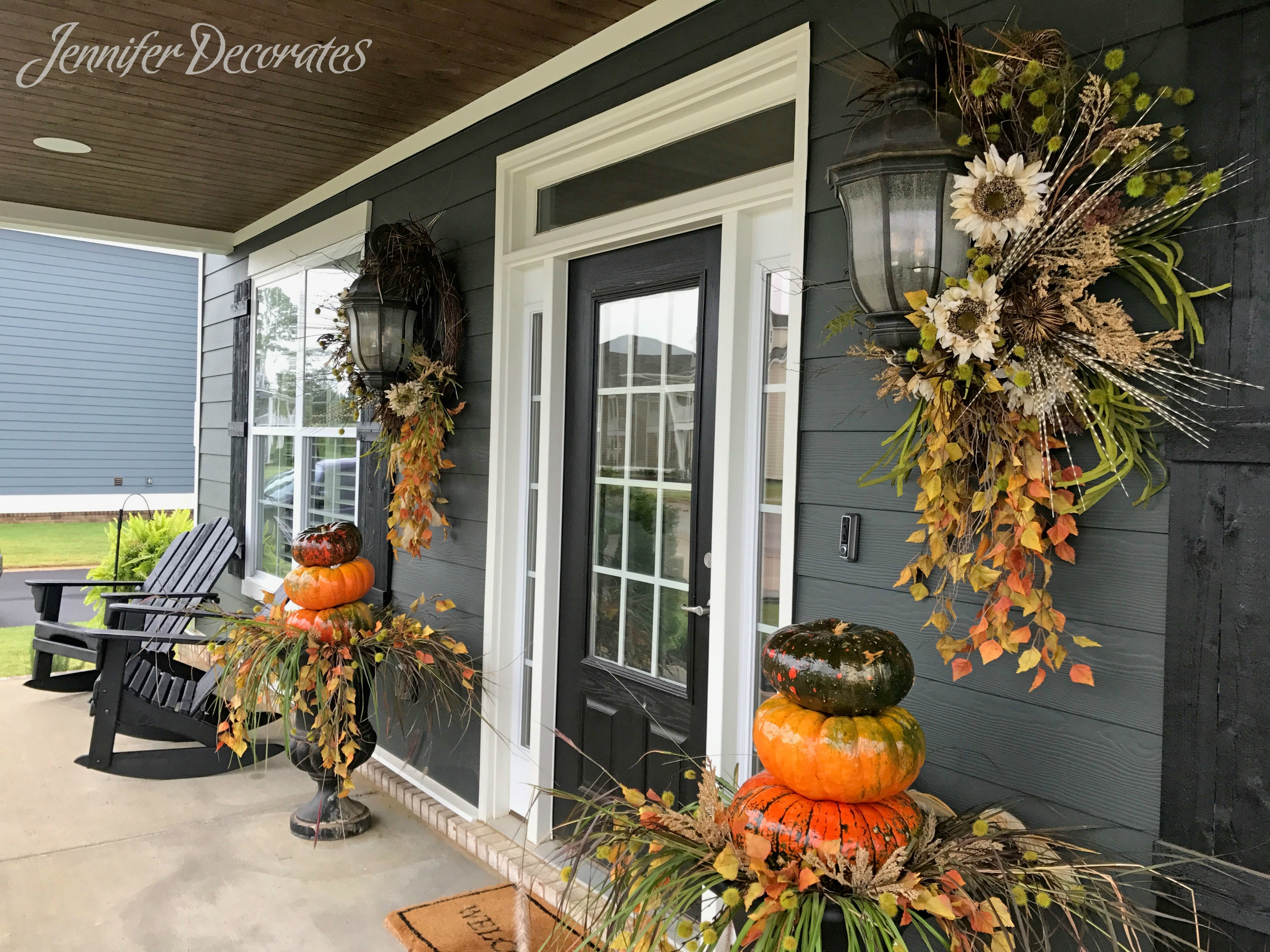 Fall porch decorating ideas you have to see jennifer for Fall patio decorating ideas