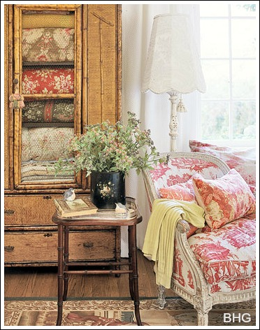 this is a cheap decorating idea that turns an old piece of furniture into a treasured heirloom - Country French Decor