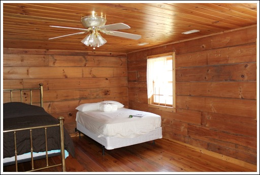 This Cabin Has Three Bedrooms Two Downstairs And One Upstairs