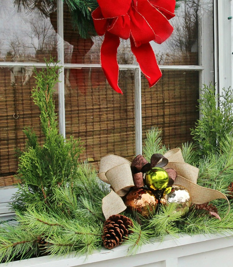 Christmas Window Box Idea