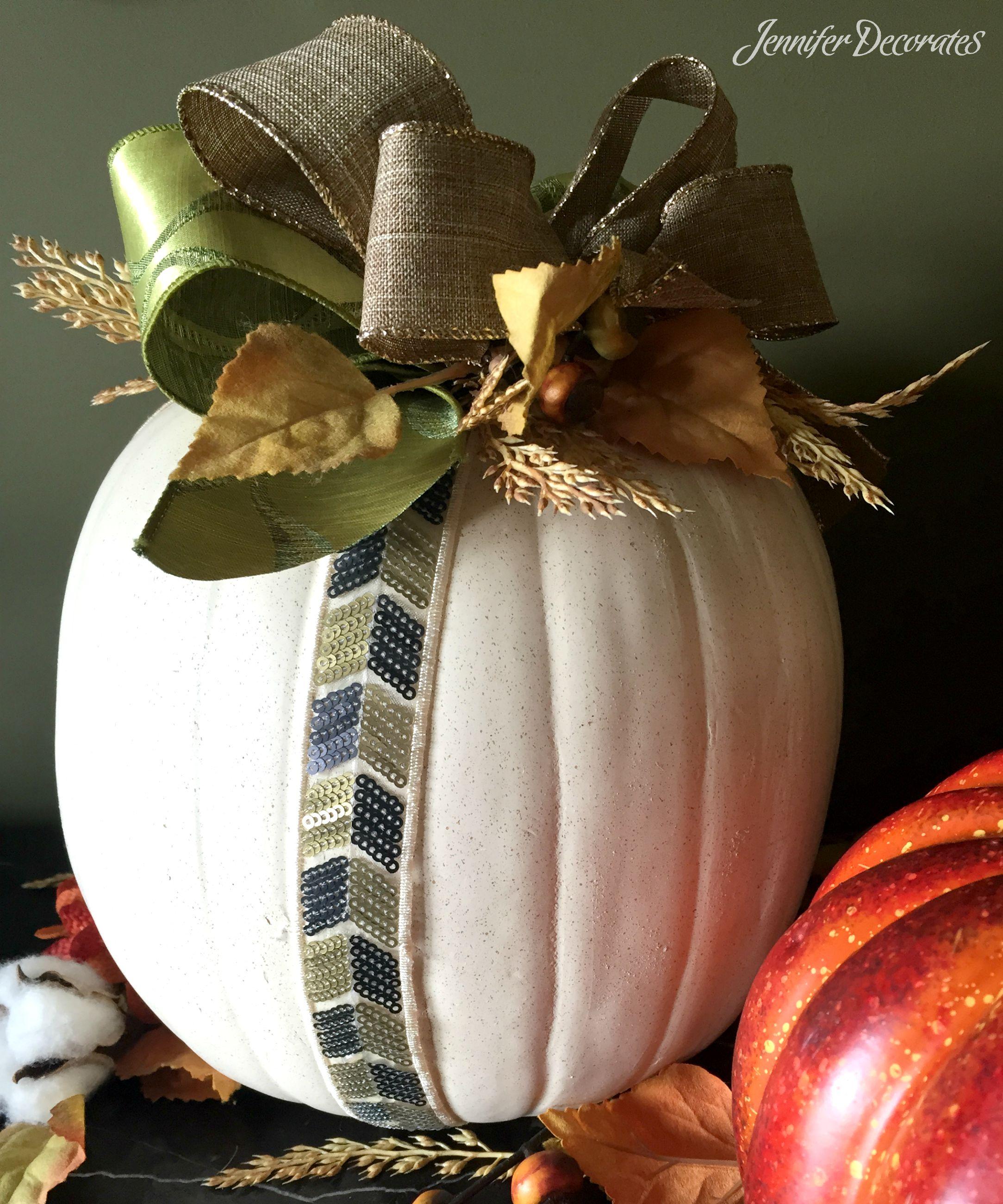Decorating a Pumpkin from JenniferDecorates.com
