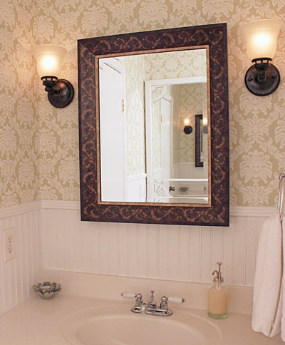 Bathroom Decorating Ideas Simple bathroom decorating ideas to help you create your own little spa!