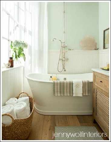 Small bathroom makeovers create an attractive and for Small bathroom makeovers
