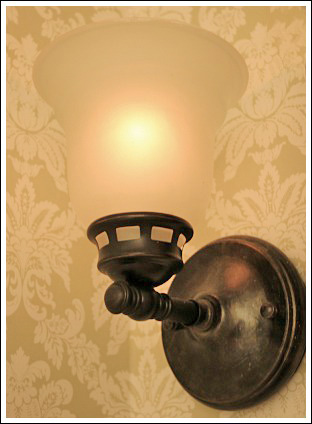 Bathroom Lights Keep Dimming small bathroom makeovers - create an attractive and inviting room!