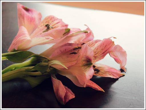 How to arrange flowers from Jennifer Decorates.com